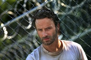 Rick-Grimes-the-walking-dead-32337701-595-397