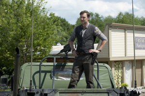 The-Walking-Dead-Episode-3-03-Walk-With-Me-Promotional-Photos-the-walking-dead-32430500-595-396
